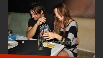 Celina Rucci y su novio Nazareno, a los besos en el cumple (Foto: Jennifer Rubio).