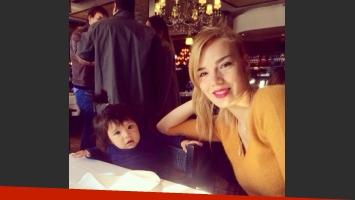 Julieta, la hija de Javier Saviola cumplió un año. (Foto: Twitter @romanelaamato)