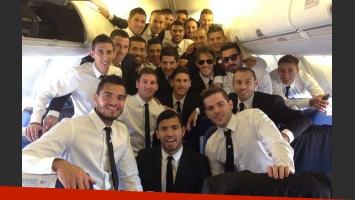 Martín Demichelis saludando a su familia, rumbo a Brasil (Foto: Twitter)