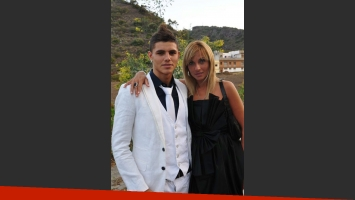 Mauro Icardi y su madre, Analía Rivero. (Foto: Web)