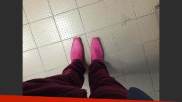 Sergio Lapegüe y sus particulares zapatos. (Foto: @sergiolapegue)