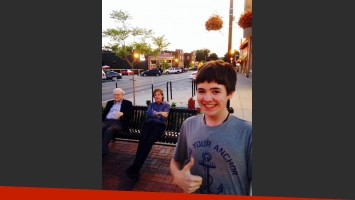 La selfie de Tom White con Paul McCartney y Warren Buffet. (Foto: Instagram)