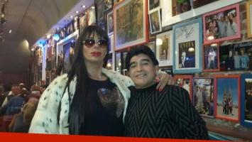 Diego Maradona y Oriana Junco. (Foto: Facebook)
