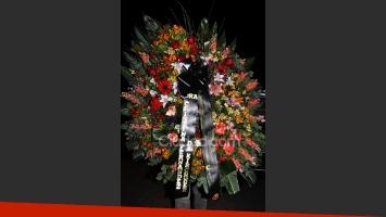 La presidenta Cristina Fernández envió una corona y estuvo presente en el velatorio de Julio Grondona (Fotos: Jennifer Rubio - Ciudad.com)