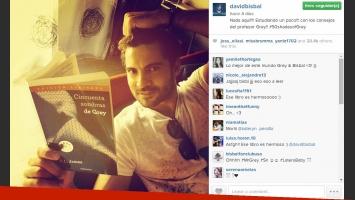David Bisbal se sumó a la moda de 50 sombras de Grey: ¿un mensaje para la China Suárez? (Foto: Instagram)