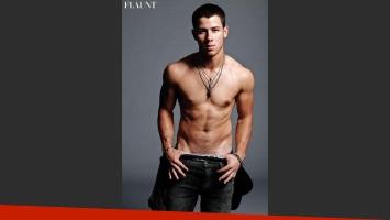 Nick Jonas emuló la icónica campaña de Mark Wahlberg para Calvin Klein. (Foto: Web)
