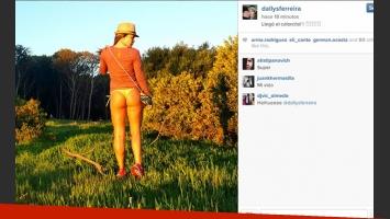 Dallys Ferreira y una postal muy sensual, lista para el verano (Foto: Instagram).