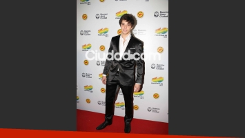 Julián Serrano eligió también traje negro. (Foto: Movilpress)
