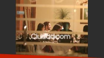 Tras el show, la pareja compartió una cena con amigos (Fotos: Movilpress).