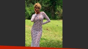 Xipolitakis enfundada en un vestido calado. (Foto: Twitter)
