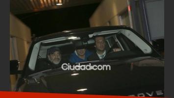 Diego Maradona, camino a la casa de Verónica Ojeda, junto a sus abogados. (Fotos: Movilpress)