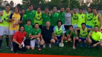David Bisbal, Luciano Pereyra, el Turco Naim y Horvilleur en un picadito (Foto: Twitter).