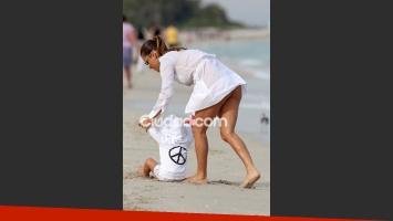 Lola Ponce, súper sexy en las playas de Miami. (Foto: Grosby Group)