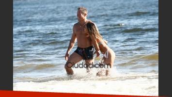 Burlando y Barbie se divirtieron en el mar. (Foto: PC3/Ciudad.com)