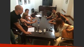 Lali Espósito y Mariano Martínez en una reunión de producción (Foto: Twitter).