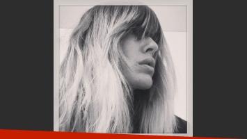Isabel Macedo se sumó a la ola de famosas con flequillo recto: ¿te gusta su look? (Foto: Instagram)
