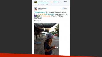 Calu Rivero le agarró el casco a Polito Pieres, para complementar su look en una tarde de polo. (Foto: Twitter)