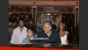 Marcelo Tinelli y su familia disfrutaron de la obra de Susana Giménez (Fotos: Movilpress).