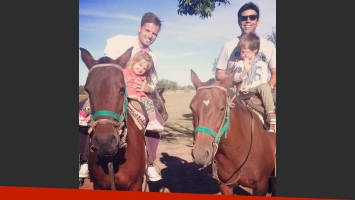 El paseo campestre de Melina Pitra y Fabián Assmann. (Fotos: Instagram)