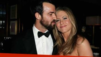 Jennifer Aniston se casó con Justin Therox en una boda sorpresa.