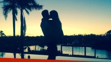 La romántica foto de Gianinna Maradona y Luciano Strassera (Foto: Twitter)