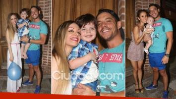 ¡Familia feliz! Gisela Bernal y Francisco Delgado, juntos en el cumpleaños de Ian. (Foto: Movilpress)
