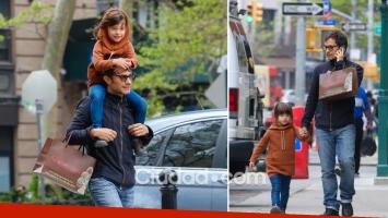 La tarde de paseo y sonrisas de Gael García Bernal junto a su hija, Libertad. (Foto: Grosby Group)