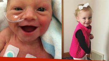 Izq: Freya, con 5 días de vida, sonriendo en una incubadora. Había nacido seismesina y sólo pesó 1,700kg. Der: Freya hoy, con 2 años. Fotos: Facebook