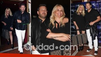 ¡Primera salida oficial! Nazarena Vélez junto a su nuevo novio empresario en el estreno de Moria Casán. (Foto: Movilpress)