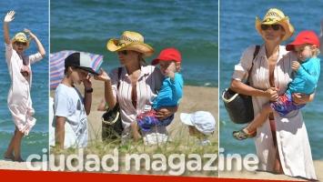 ¡Mamá full time! Pampita, una diosa con sus hijos en las playas de Punta del Este. (Foto: GM Press Punta)