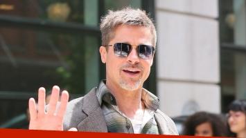 Los galanes como Brad Pitt también tienen sus secretos de belleza
