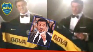 Silvester Stallone posó con la camiseta de Boca (Fotos: Captura de Youtube y Web)