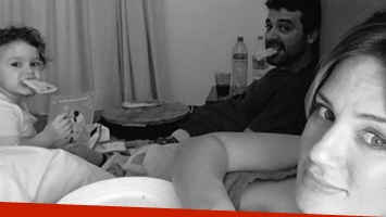 Paula Chaves mostró en Twitter foto de su antojo de pizza en la cama.