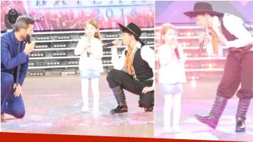 Agustín de Márama cantó con una fan en ShowMatch (Fotos: Prensa Ideas del Sur)