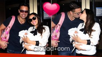 Floppy Tesouro junto a Rodrigo Fernández Prieto y su beba Moorea. (Foto: Movilpress)