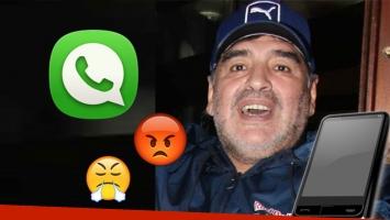 Maradona, furioso por no poder usar el teléfono.