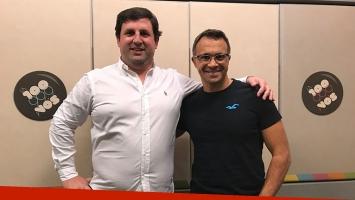 Sergio Lapegüe contó la motivadora historia del repartidor de diarios que se convirtió en piloto de Aerolíneas Argentinas. Foto: Facebook.