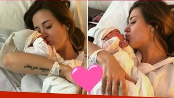 ¡Presentación oficial! Jésica Cirio habló desde la clínica con Chloé en su pecho