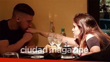 La primera foto romántica de Barbie Vélez y Lucas Rodríguez tras confirmar su noviazgo