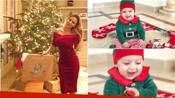 Las fotos súper tiernas del look navideño de la hija de Evangelina Anderson: Estamos acá armando el arbolito y de...