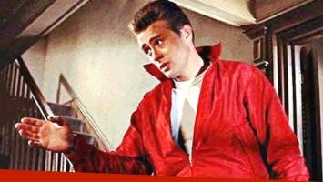 Subastan la campera roja que James Dean usó en