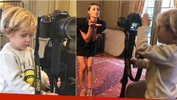 Pampita llevó a su hijo a una producción y se adueñó de la cámara (Fotos: Instagram)