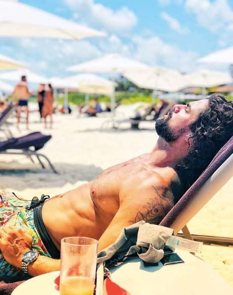 """Las vacaciones hot de Luciano Castro y Sabrina Rojas en Mexico: """"Pasándola muy bien"""""""
