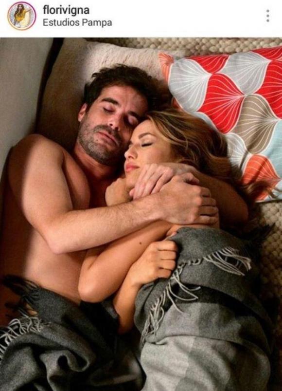 """Flor Vigna explicó el motivo por el que borró su foto en la cama con Cabré: """"Me lo pidieron de muy mal modo"""""""