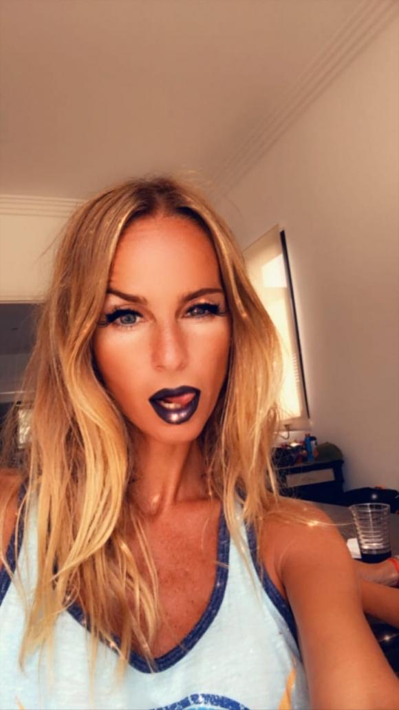 Las selfies súper sexies de Sabrina Rojas tras su separación de Luciano Castro: sugerentes filtros y pose sensual