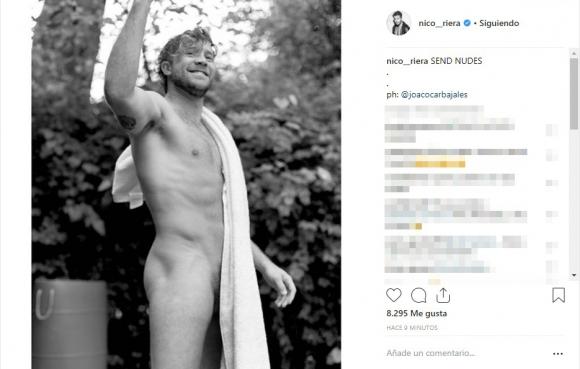 La jugadísima foto de Tacho Riera en toalla... ¿y mostrando de más?