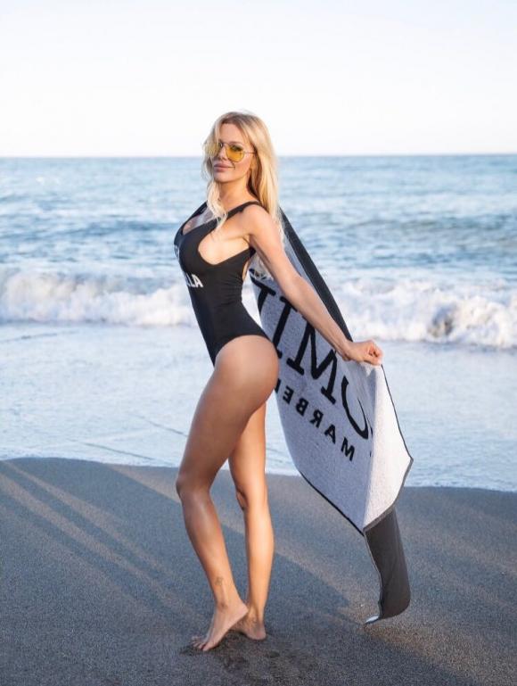 The sexy campaign pictures of Evangelina Anderson in Marbella ... - Ciudad.com 2