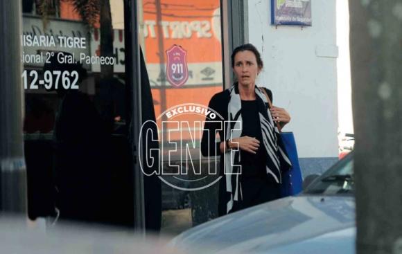 Devastada, Federica Pais visitó a su hijo Dante, detenido en la comisaría de Tigre