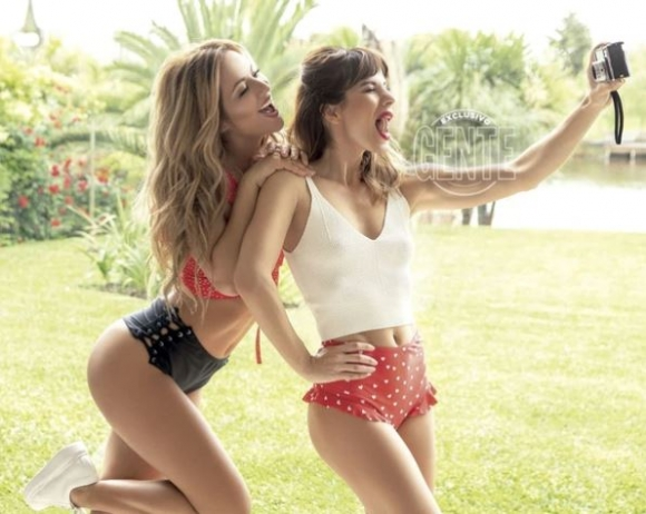 Las fotos sexies de Flor Vigna y Gimena Accardi, protagonistas de Mi hermano es un clon: ¡confesiones íntimas!