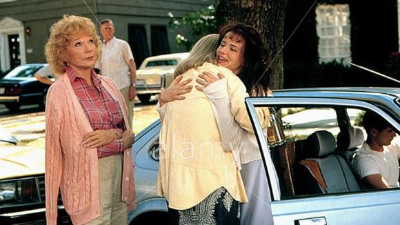 Juliette Lewis junto a Shirley MacLaine.  (Foto: Web)